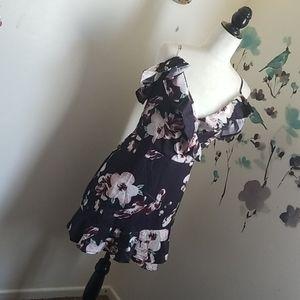 Dresses & Skirts - Beautiful flower dress